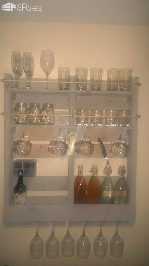 Wine & Kombucha Rack Pallet Shelves & Pallet Coat Hangers