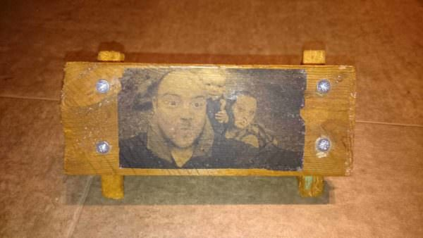 Grave Plaque Pallet Wall Decor & Pallet Painting