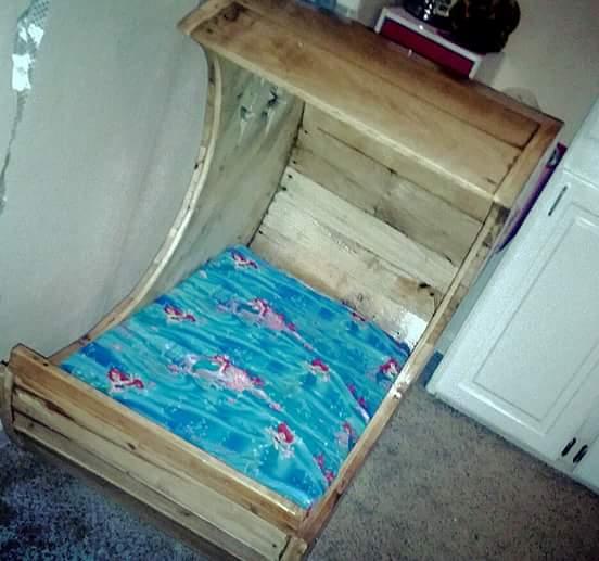 Pallet Bed Baby Moon Cradle Fun Pallet Crafts for Kids Pallet Beds, Pallet Headboards & Frames