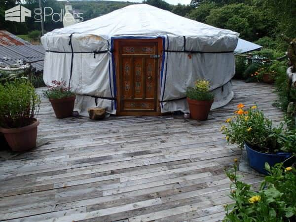 Pallet Deck With Accessible Ramp Pallet Terraces & Pallet Patios