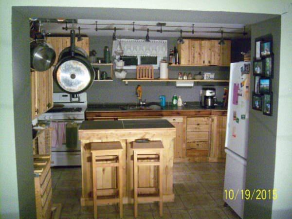 Pallet Kitchen Pallet Desks & Pallet Tables