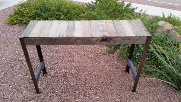 Pallet Sofa Table Pallet Desks & Pallet Tables