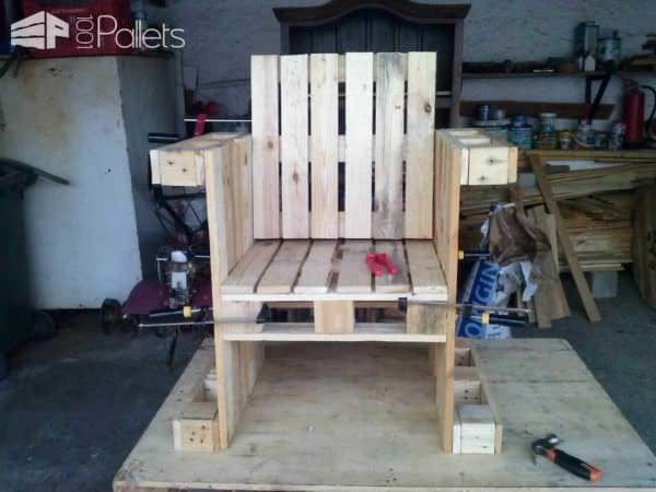 Two Pallet Chairs & a Table for My Office Pallet Benches, Pallet Chairs & Stools