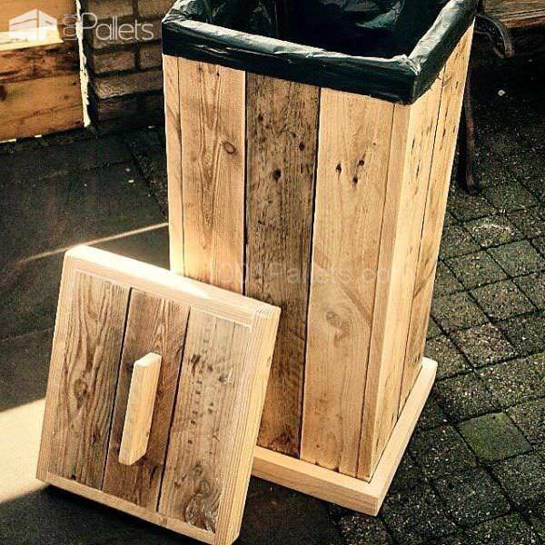 A Pallet Year: Top 5 Posts on 1001pallets in 2015 Pallet Benches, Pallet Chairs & Stools