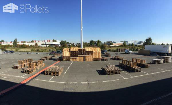 Jaw: Architectural Pallet Structure Built for the Sunflower Maze in Mons 2015 Pallet Store, Bar & Restaurant Decorations