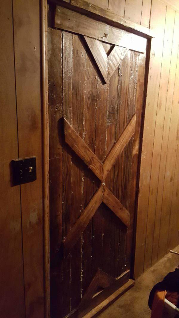 Pallet Door Pallet Walls & Pallet Doors