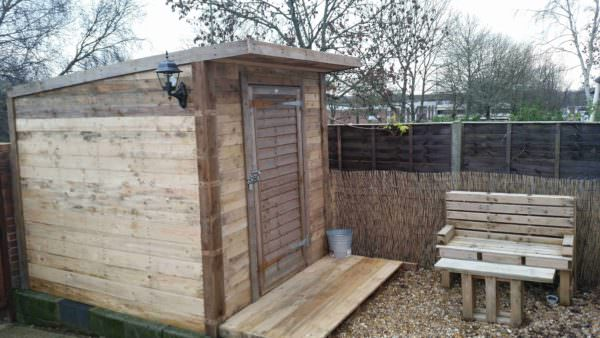 Pallet Shed & Bench Under 100£ Pallet Sheds, Cabins, Huts & Playhouses