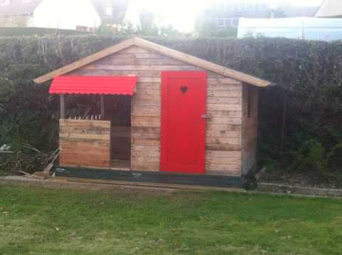 Pallet Woodhouse Fun Pallet Crafts for Kids Pallet Sheds, Cabins, Huts & Playhouses