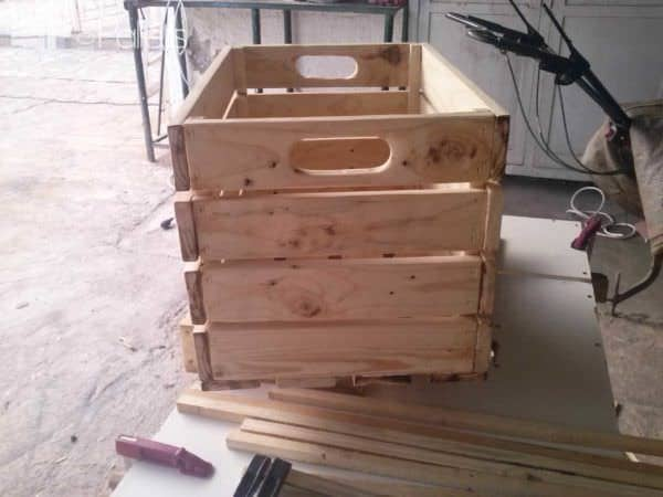 Coffee Table Out Of Repurposed Crates Pallet Coffee Tables