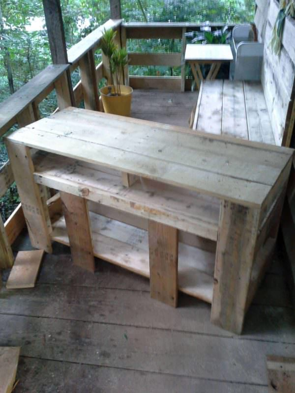 Entertainment Stand Pallet TV Stands & Racks