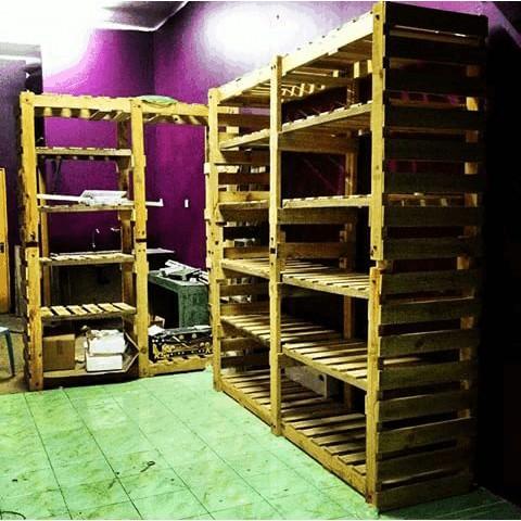 Laundry Heavy Duty Shelves Pallet Shelves & Pallet Coat Hangers
