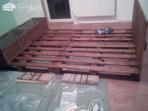 Pallet Bed & Headboard Out of 4 Recycled Pallets Pallet Beds, Pallet Headboards & Frames