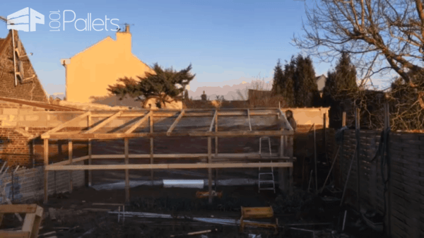 40$ Pallet Greenhouse Timelapse Video Pallets in the Garden
