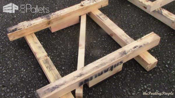 Chunky Pallet Coffee Table With Glow In The Dark Resin Pallet Coffee Tables
