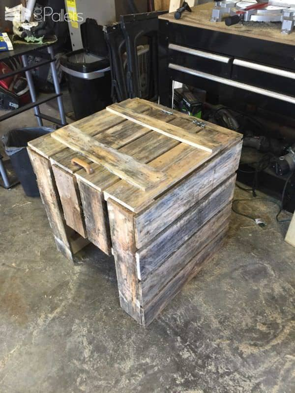 Trash Can Cover Box Out Of 3 Repurposed Pallets Pallet Boxes & Chests