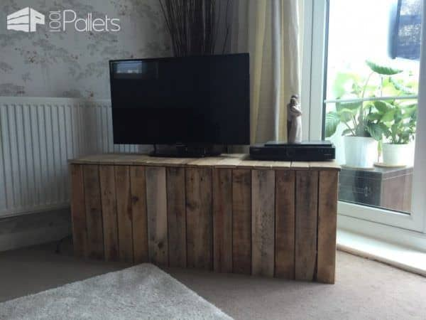 1001pallets Spring Contest 2nd Place: TV Unit Ouf Of Pallets Pallet TV Stands & Racks