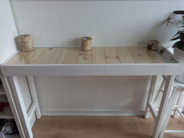 Hallway Pallet Table with Hidden Drawer Pallet Desks & Pallet Tables