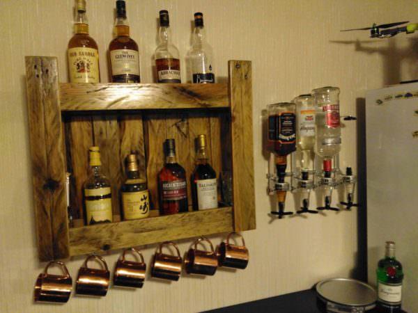 Pallet Whiskeys Shelf for Home Bar Pallet Bars