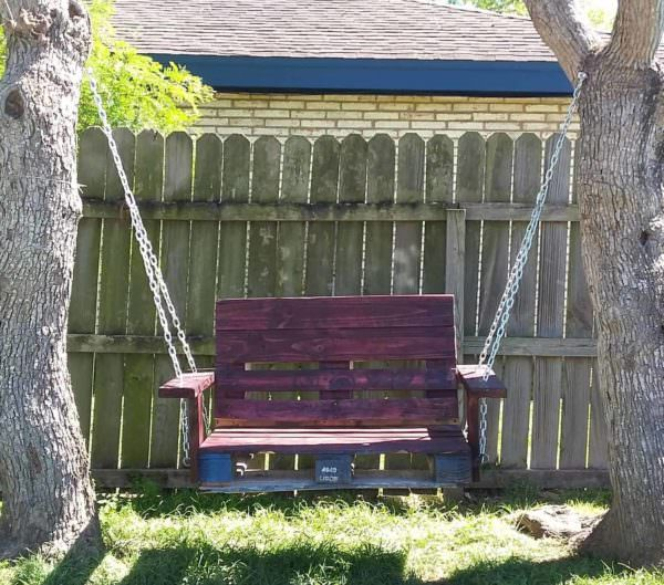 One Single Pallet Into a Garden Swinging Chair Pallet Benches, Pallet Chairs & Stools