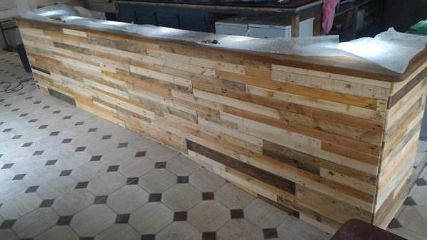 Bar Receives Pallet Wood Facelift Pallet Bars
