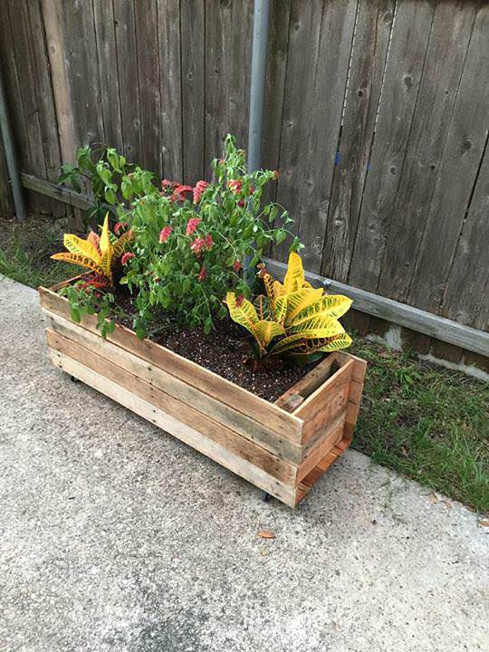 Rolling Pallet Planter Pallet Planters & Compost Bins