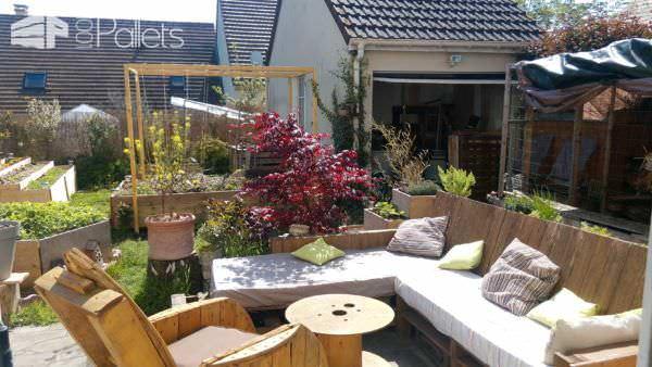 Pergola Addition to Our Pallet Lounge Set Lounges & Garden Sets Pallet Terraces & Pallet Patios