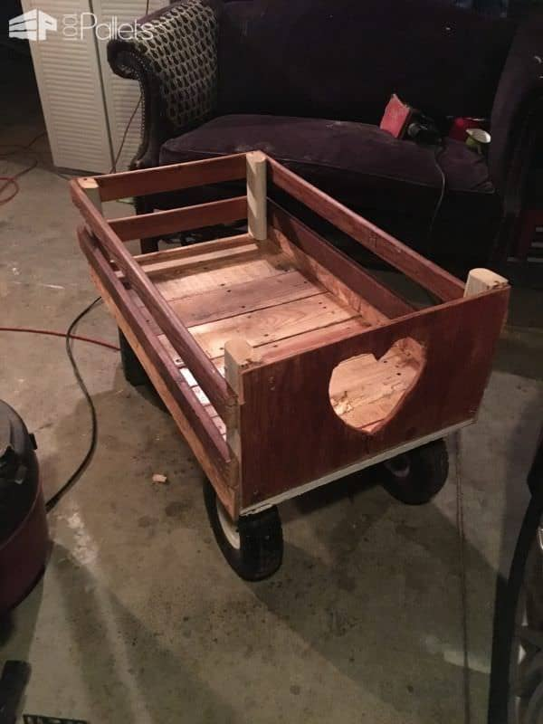 Adorable Heart-cutout Pallet Wagon Other Pallet Projects