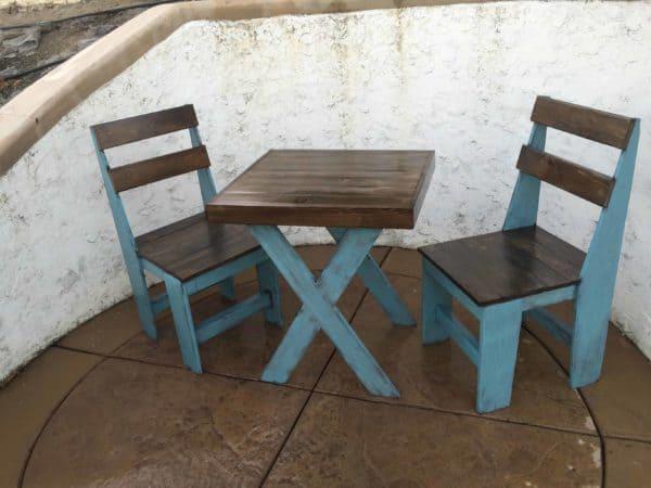 Cascade Blue Chalk-painted Pallet Bistro Set Pallet Benches, Pallet Chairs & Stools Pallet Desks & Pallet Tables