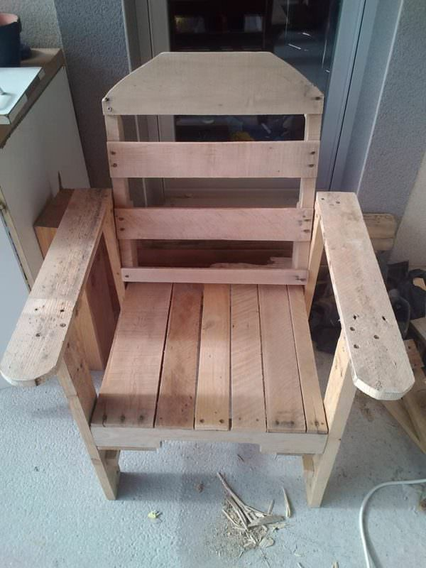 Modern-twist Pallet Adirondack Chair Pallet Benches, Pallet Chairs & Stools