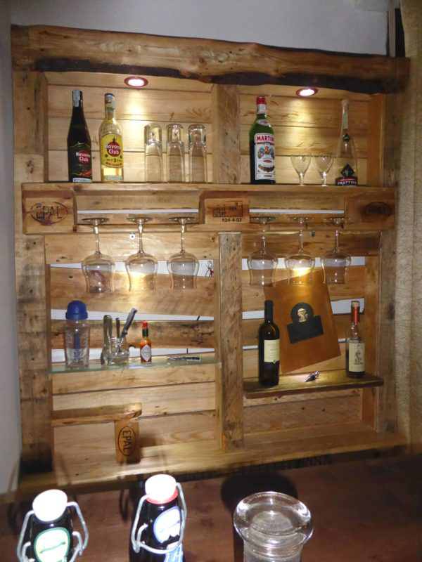 Beautiful Lit Pallet Liquor / Stemware Shelf Pallet Bars