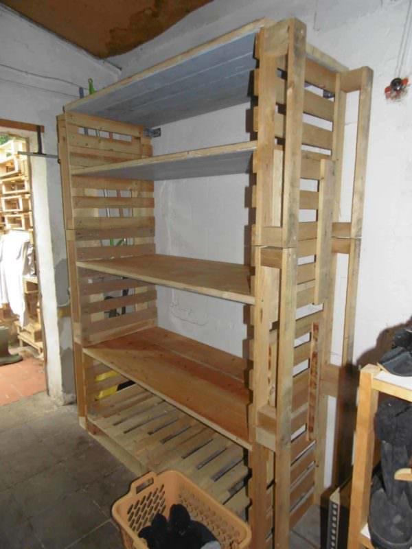 Big Pallet Organization Rack For Scrap Wood Pallet Bookcases & Bookshelves Pallet Shelves & Pallet Coat Hangers
