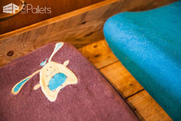 Pallet Wood Double Changing Table/Double Table à Langer En Palettes Pallet Desks & Pallet Tables