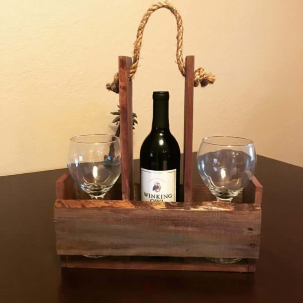 Quick Pallet Wine Holder for Outdoor Picnics Or… Pallet Home Accessories