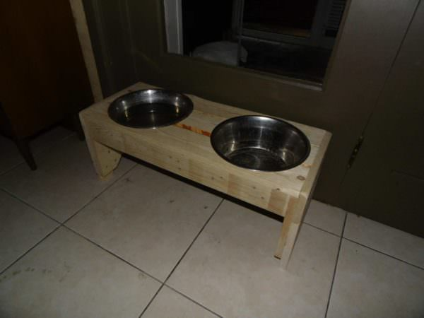 Raised Dual-dish Pallet Dog Trays For Doggy Dining Animal Pallet Houses & Pallet Supplies
