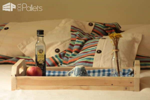 Simple Little Pallet Breakfast Tray You Can Make In 1 Hour! Pallet Home Accessories