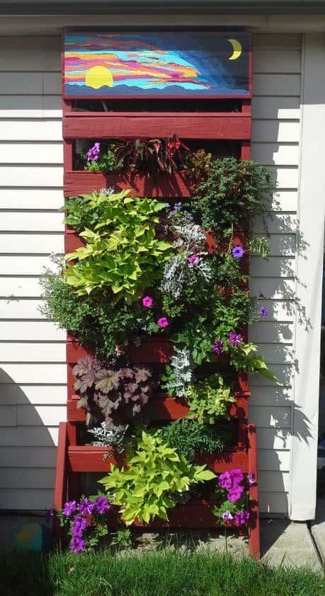 Make A Vertical Pallet Planter Under 30 Dollars Pallet Planters & Compost Bins
