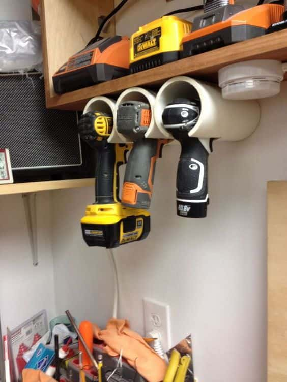 Diy: Brilliant Cordless Tool Station You Can Make (With Plans & Directions) DIY Pallet Tutorials Workshop and tools