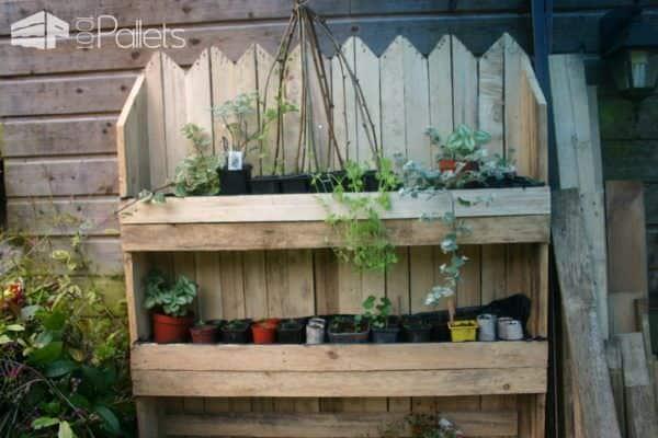 Decorative Vertical Pallet Planter / Mur Vegetal Pallet Planters & Compost Bins