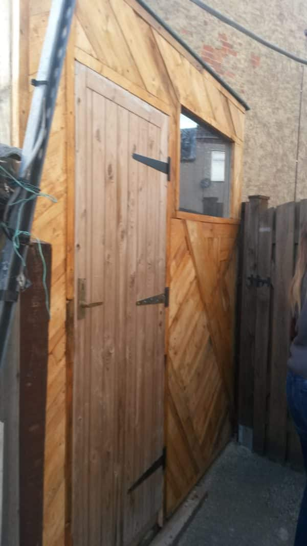 Crazy-mosaic Pallet Wood Shed Front Pallet Walls & Pallet Doors