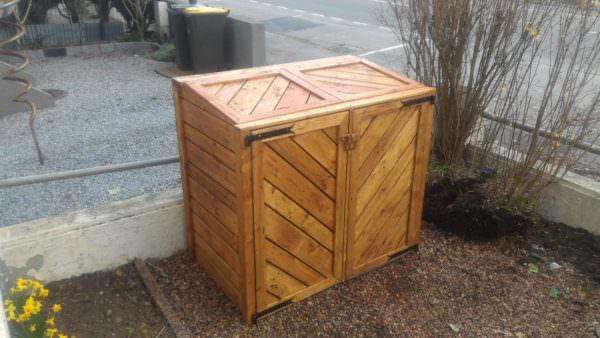 Pallet Trash Bin Shed / Armoire Cache-poubelles Pallet Sheds, Cabins, Huts & Playhouses