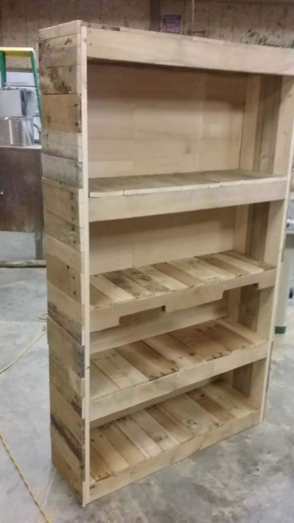 Sturdy, Stylish Pallet Wood Bookcase Pallet Bookcases & Bookshelves