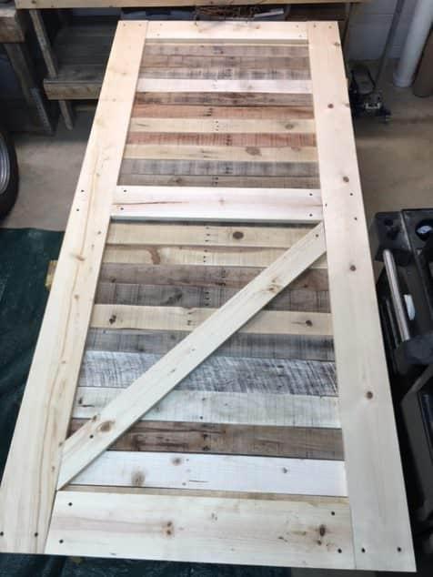 Stylish Rustic Sliding Pallet Interior Door Pallet Tutorials Pallet Walls & Pallet Doors