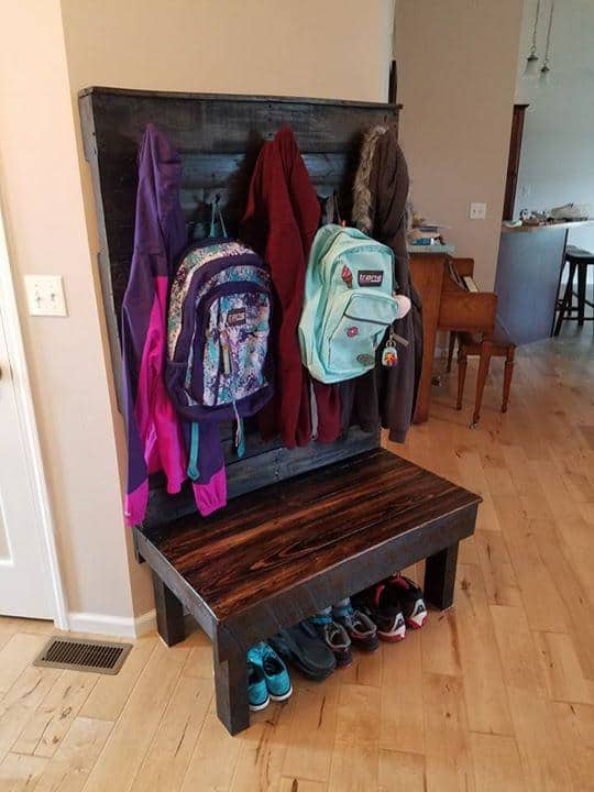 Pallet Hallway Bench / Coat Tree Pallet Benches, Pallet Chairs & Stools Pallet Shelves & Pallet Coat Hangers
