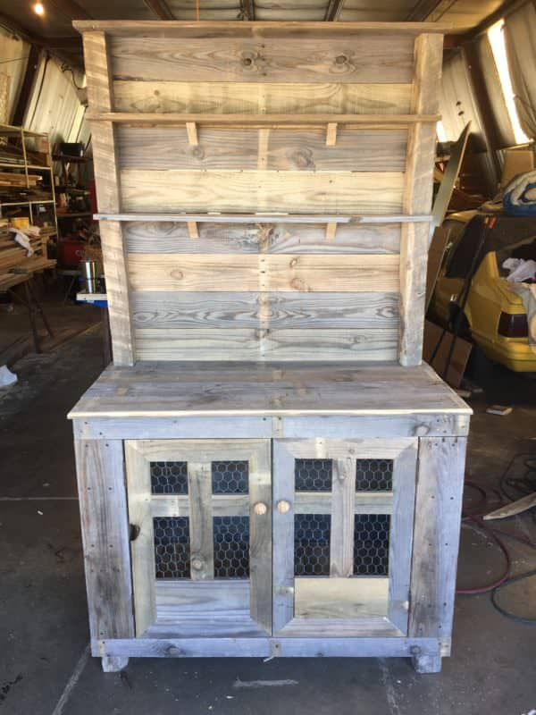 Rustic Country-style Pallet Hutch Pallet Cabinets & Wardrobes