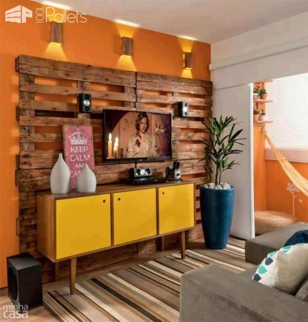 Add Style Quickly: More Than 50 Beautiful Pallet Wall Ideas! Pallet Walls & Pallet Doors