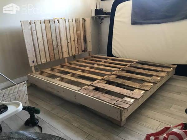 Four-pallet Bed Frame With Side Table Pallet Beds, Pallet Headboards & Frames
