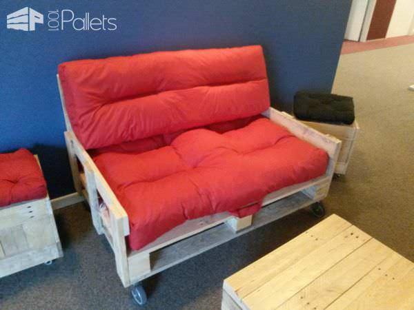 Mobile Pallet Loveseat DIY Pallet Video Tutorials Pallet Sofas & Couches