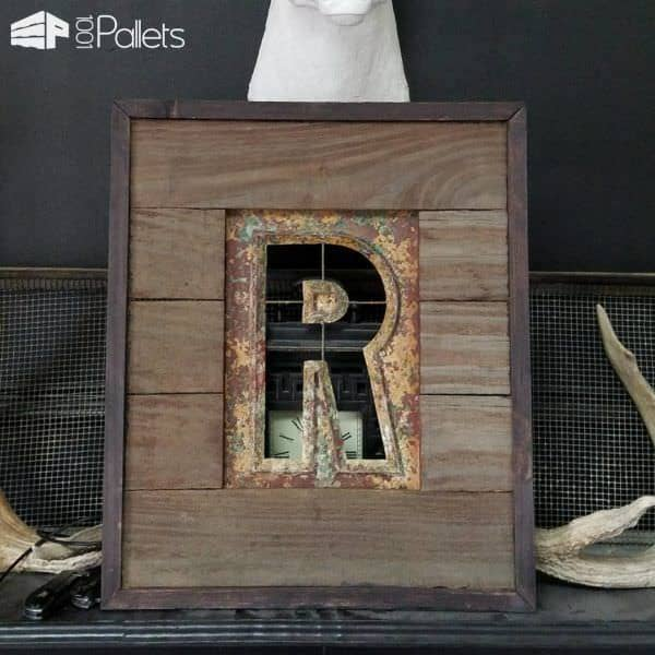 Pallet-framed Stencil Turns Metal Into Wall Art! Pallet Wall Decor & Pallet Painting