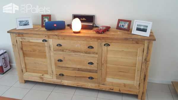 Stunning 5-pallet Rustic Buffet Has Tons of Storage! Pallet Cabinets & Wardrobes