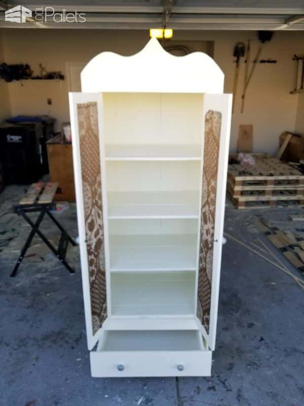 Pallet French Country Cabinet: Diy Video Tutorial DIY Pallet Video Tutorials Pallet Cabinets & Wardrobes